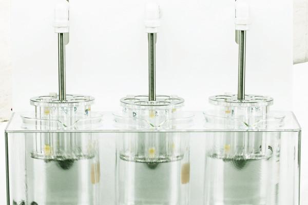 智能药物溶出仪的组成装置与翻转机构